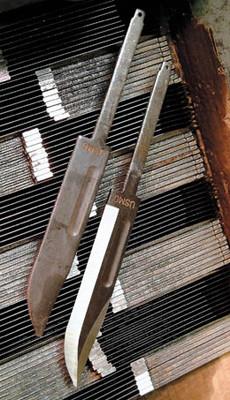 howknivesaremade_grinding