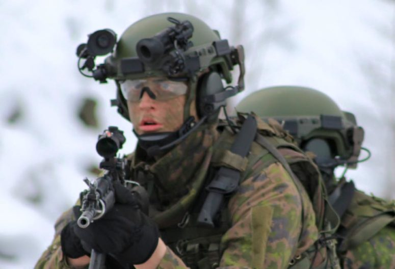 Finnish Special Forces carrying the Peltonen Ranger Knife